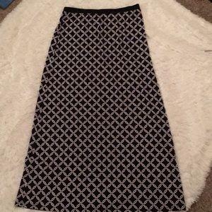 White House Black Market long skirt SZ:M